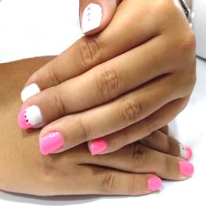 Manicura semipermanente verano rosa y blanco GMEL